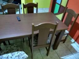 Mesa com 6 cadeiras de almofada Semino MDF