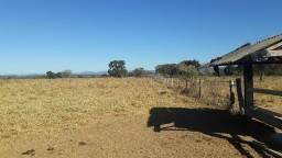 Fazenda c/ 2.300he, c/ 1.700he abertos/sujo, porteira fechada, N S Livramento-MT