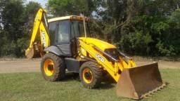 Retro Escavadeira JCB 3C Plus Ano 2015 Tração 4x4 5700 horas Motor MWM turbo