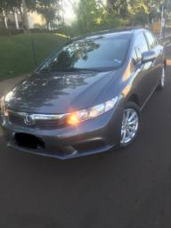 Honda Civic 1.8 financiado pelo Itaú