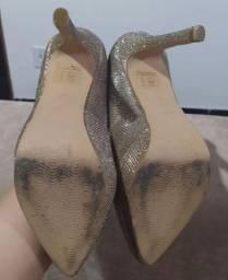 Sapato Dunes com brilho dourado n* 34