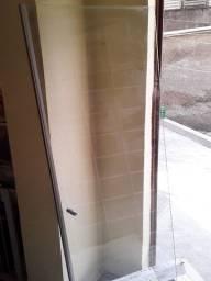Folha de vidro blindex para banheiro usado em ótimo estado de conservação