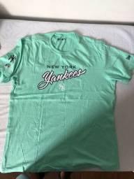 Camiseta New Era Original.