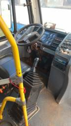 Vende se ônibus