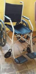 Vende se essa cadeira de roda