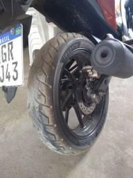 Vendo pneu Levorin