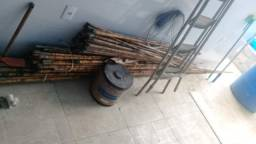 Varas de fibra e bambu