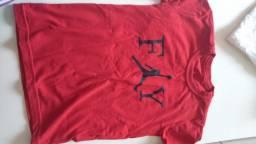 Camiseta 10 anos nova