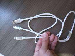 Cabo USB 2 em 1 nunca usado.