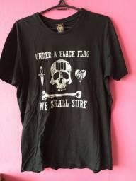 Camiseta Cavalera preta ótimo estado