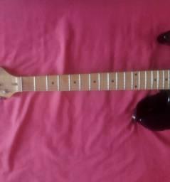 Guitarra Stratocaster captadores Wilkson Cordas novas