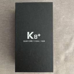 Smartphone LG K8+ na caixa