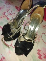 Vendo sandália vizzano