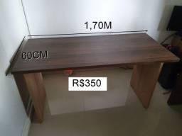 Escrivaninha em MDF e cadeira