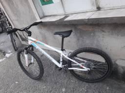 Bicicleta ROCKRIDER NOVA