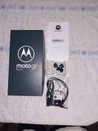 Caixa de Moto g8 plus fone leia a descricao