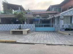 Casas e Kitinets em Guaratuba, 50 metros do mar