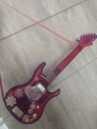 Guitarra da Barbie