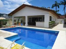 Casa com piscina disponível réveillon