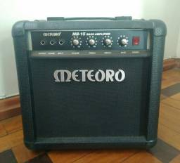 Amplificador Meteoro MB 15 Bass 15W preto 110V/220V<br><br><br>