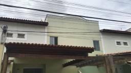 Linda casa de 3/4 com armários, no Cond. Volare, próximo a Fraga Maia