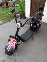 Moto Elétrica Com Bandeira Inglaterra