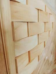 Linda Porta de Madeira Maciça com design em couro - World Portas