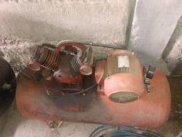 Compressor tri fase