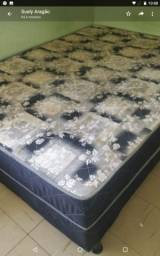 Vendo cama casal muito bem conservada 230 Reais preço negociável