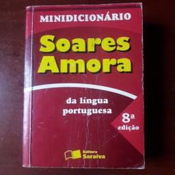 Mini Dicionário Soares Amora.