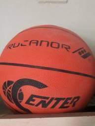 Bola de basquete nova oficial nunca usada
