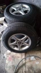 Jogo de rodas aro 15 com os pneus zero
