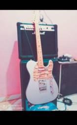 Guitarra Squier by Fender e pedaleira/moduladora VALETON GP 100