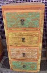 gaveteiro em madeira e demolição ótimo acabamento.