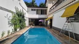 OPORTUNIDADE!!!! FACIL DE ALUGAR. ÓTIMA FONTE DE RENDA.Maravilhosa casa com piscina em Lar