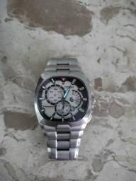 Relógio Citizen em aço bem conservado funcionando perfeitamente