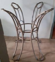 Base de mesa de jantar em ferro