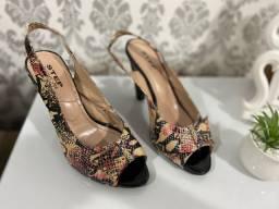 Sapatos n? 36 - R$30 reais cada um