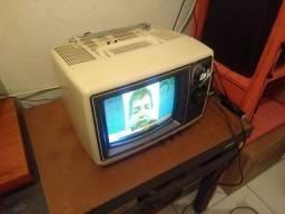 Tv Semp 10 polegadas transistorizada a cores ano 1979.