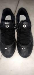 Tênis Nike shox e adidas original.