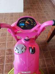 Motoca infantil elétrica