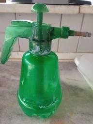 Borrifador/aplicador para veneno