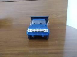 Miniatura Caminhões Brasileiros Dodge D-950 1969/81 Caçamba