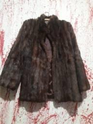 sou de Piedade vendo esse casaco de pele por 100reais