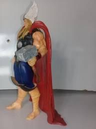 Figura/boneco Thor Marvel Comics da Iron Estúdios 20cm