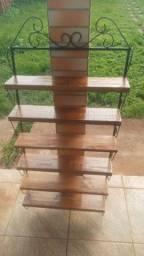 Peças de ferro e madeira