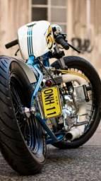 Contrata se entregador com moto própria