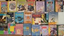 Livros didáticos do ensino fundamental e médio usados