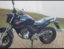 Honda CB Twister  (parcelamos)