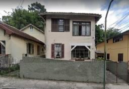 Casa em Petrópolis-Valparaíso/RJ